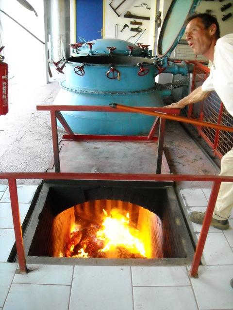 Le four de la distillerie Bleu d'Argens : Les feux de l'amour !